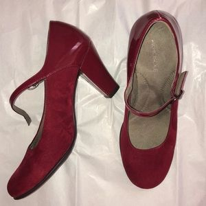 👠Red suede shoes👠
